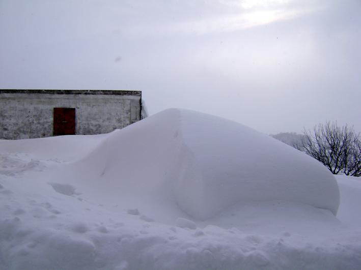 la Lancia è sotto la neve